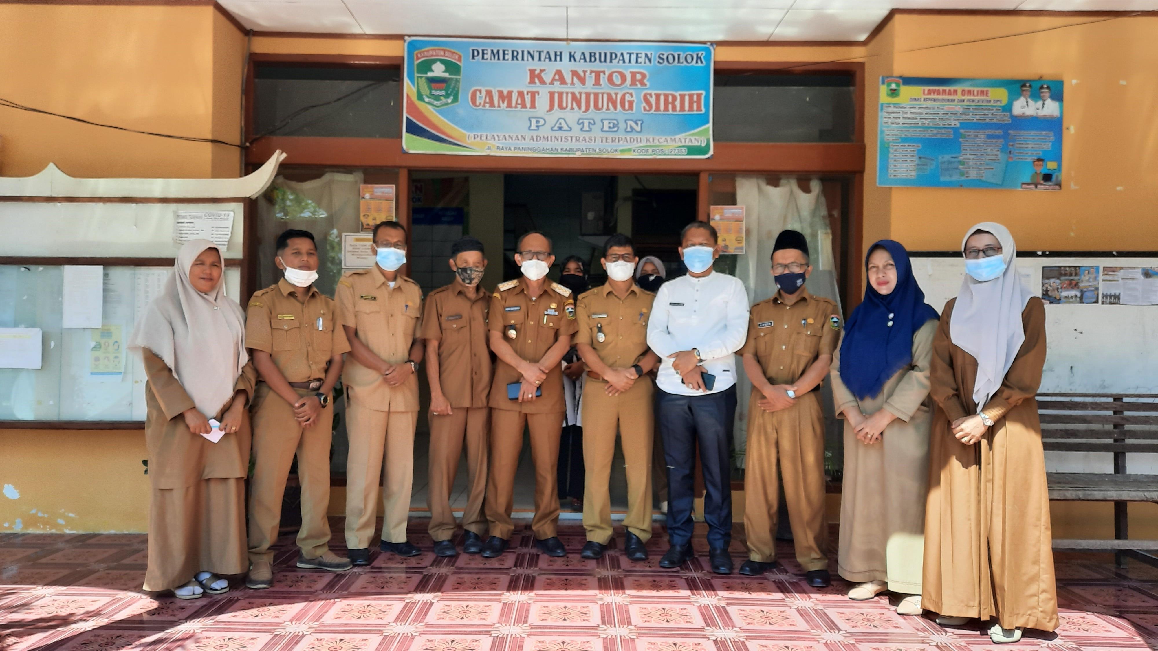 Monitoring dan Evaluasi Penanganan Covid-19 di Kecamatan Junjung Sirih