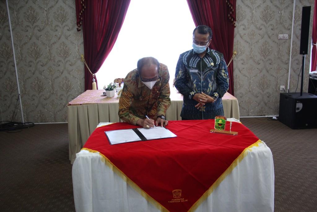 Penjabat Bupati Solok Heri Nofiardi Awali Tugas Laksanakan Diskusi Politik Sambut Bulan Suci Ramadha
