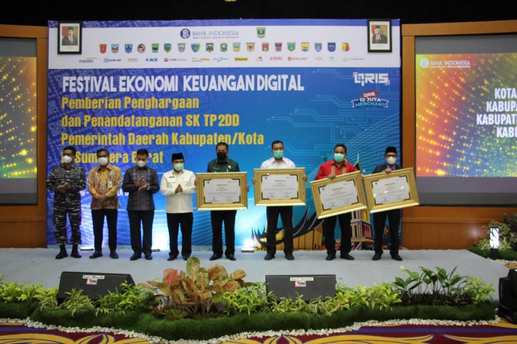 Pemkab Solok Raih Penghargaan TP2DD Pemerintah Daerah Kabupaten/Kota di Sumbar